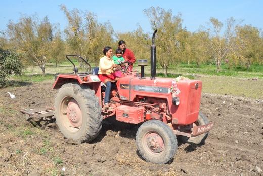 520-Women Farmers Rippi and Karamvir in Kota District