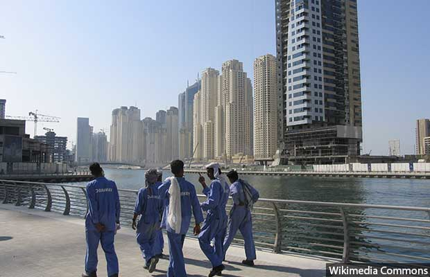 Dubai_constr_workers_620