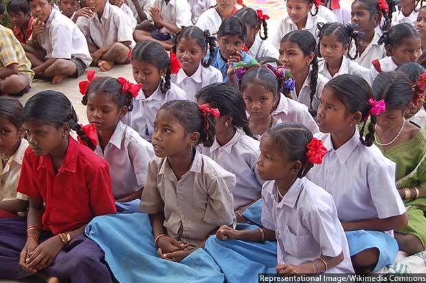 Girls_students_India_620
