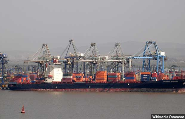 Mumbai_container_terminal_from_Elephanta_Island_620
