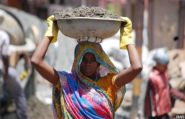 Woman Labourer_620