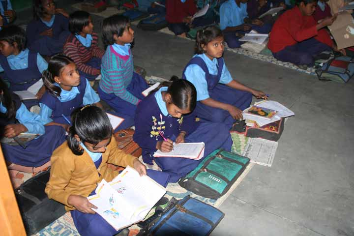 children_studiying