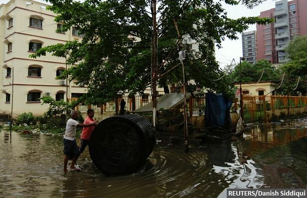 mum-flood-620