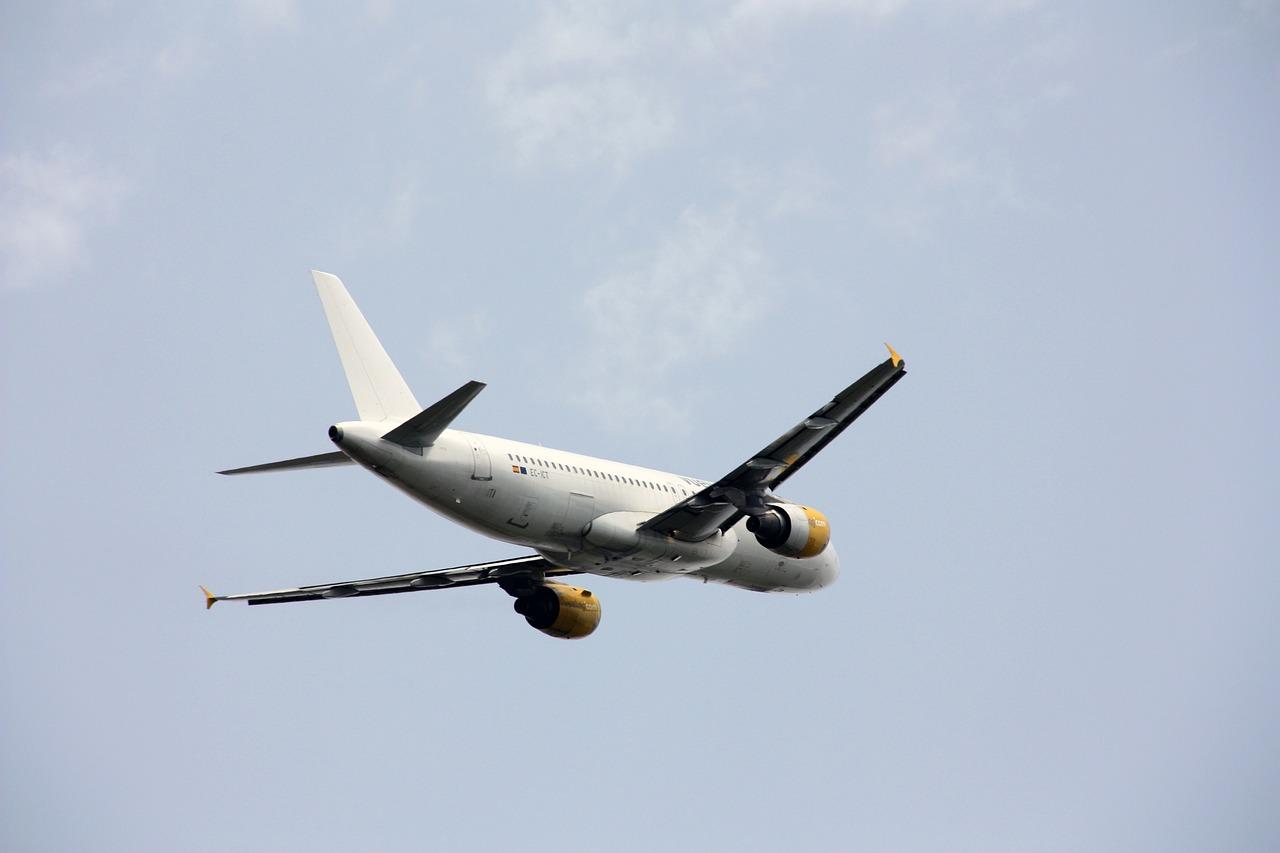 plane-546169_1280