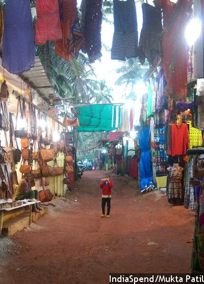 tourism_street_400